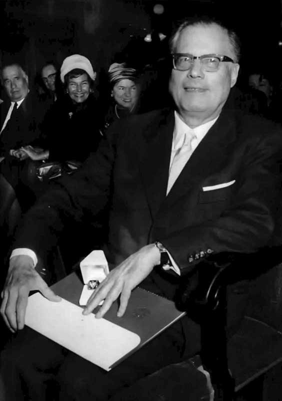 Karl Böhm (boehm_ehrenring_wien_1964.jpg)